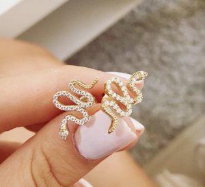עגילי קוברה - זהב לבן 14K