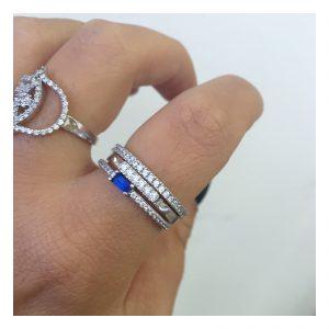 טבעת בייסיק ליין שיבוץ זירקונים - זהב לבן 14K