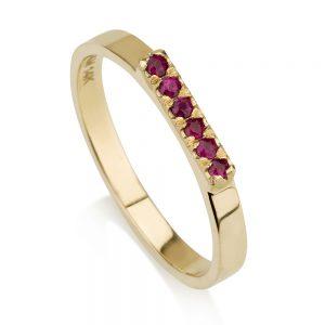 טבעת קלאסית בשיבוץ אבני רובי - זהב 14K