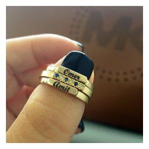 טבעת קלאסית בשילוב שיבוץ אבני ספיר ויהלומים- זהב 14K