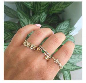 טבעת פפיון שיק- זהב לבן 14K