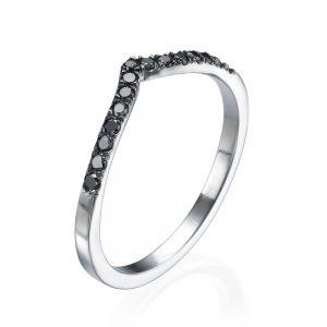 טבעת V יהלומים שחורים - זהב 14K