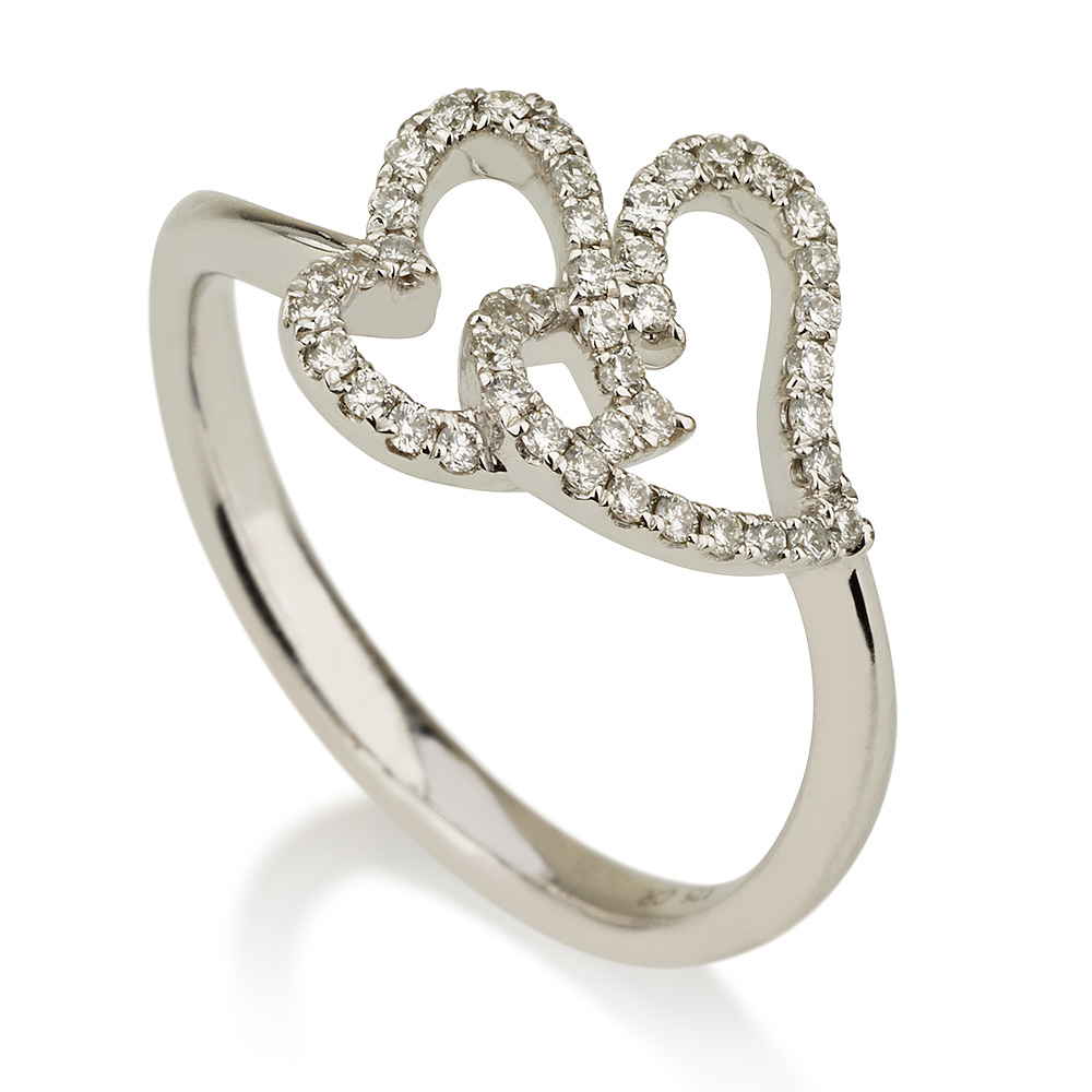 טבעת יהלומים סיפור בלבבות - זהב 9K