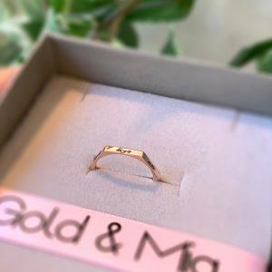 טבעת חריטה גאומטרית - זהב 14K