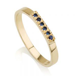 טבעת חותם משובצת ספירים- זהב 14K